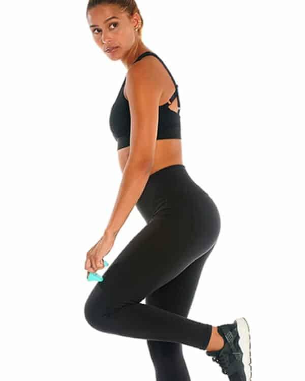 Woman using Pso-Mini on thigh