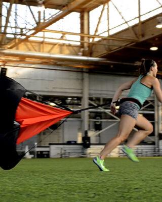 COREFX Resistance Parachute girl running